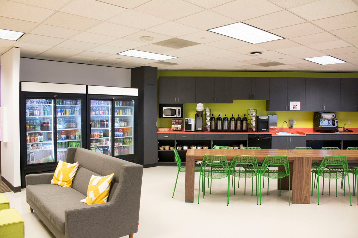 Facebook Metropolitan Park kitchen and dining lounge