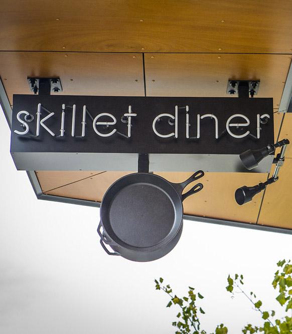 Skillet Diner building exterior signage